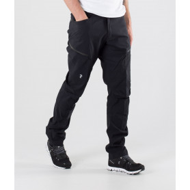 Панталон PEAK PERFORMANCE W ICONIQ PANT BLACK